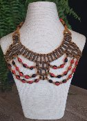 Collier en graines naturelles